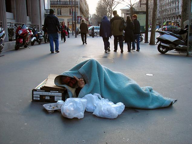 Américains et Européens divisés sur le rôle de l'Etat dans la protection des pauvres