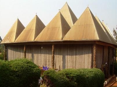 Un bâtiment du palais royal de Bafoussam
